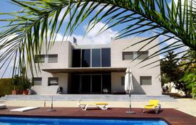 Coastal residential for sale in Dehesa de Campoamor. Luxury villa in Dehesa de Campoamor, Spain