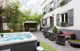 Property for sale in Boulogne-Billancourt. Boulogne North – A renovated 1930's private mansion