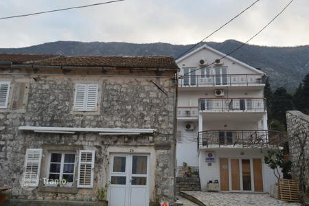 Luxury houses for sale in Montenegro. Villa – Tivat, Montenegro