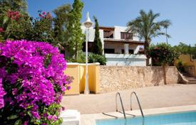 3 bedroom houses for sale in Balearic Islands. Villa – Balearic Islands, Spain