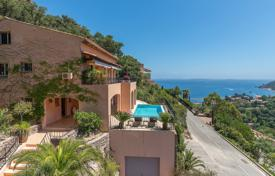 Coastal houses for sale in France. Théoule-sur-Mer — Modern villa