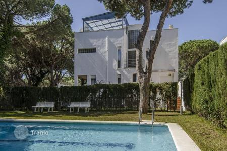 Houses with pools for sale in Gava. Villa – Gava, Catalonia, Spain