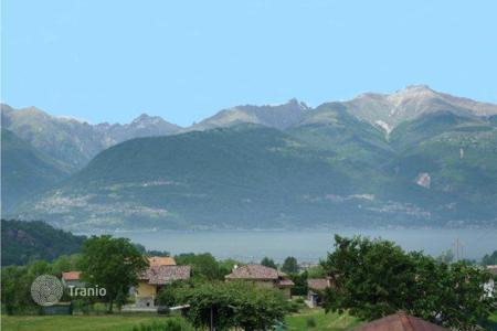3 bedroom houses by the sea for sale in Lake Como. Villa - Lake Como, Lombardy, Italy