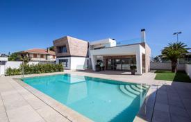 Property for sale in Dehesa de Campoamor. Luxury villa at 700 metres from the Campoamor Beach