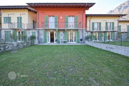 Property for sale in Lombardy. Beautiful new townhouse, sold completely furnished! Private garden, with a possibility to build a pool