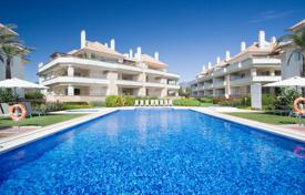 Luxury 4 bedroom apartments for sale in Spain. Duplex Penthouse for sale in Guadalmansa Playa, Estepona