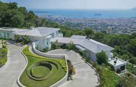 Luxury houses for sale in Cannes. Cannes — Californie — Exceptional renovated property