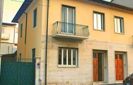 Property for sale in Viareggio. Traditional two-storey villa in Viareggio, Tuscany, Italy