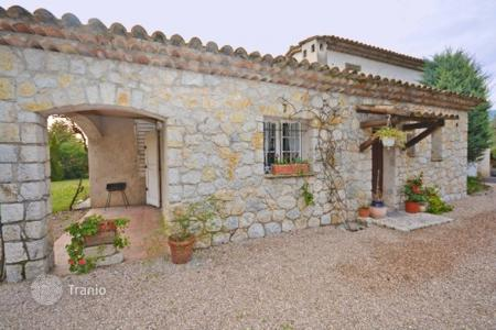 Residential for sale in Opio. Villa – Opio, Côte d'Azur (French Riviera), France