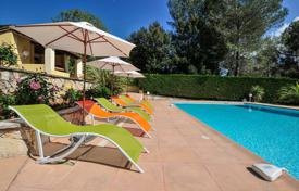3 bedroom villas and houses to rent in Côte d'Azur (French Riviera). Villa Azalee