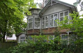 4 bedroom houses for sale in Latvia. Historic wooden house on the beach in Jurmala