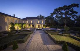 Luxury chateaux for sale in France. Castle – Bordeaux, Aquitaine, France