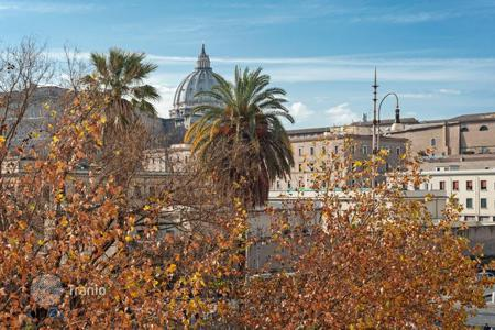 1 bedroom apartments for sale in Lazio. Luminous and elegant prestigious apartment with a view on the dome of St. Peter's Basilica
