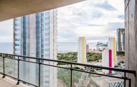 Bank repossessions apartments in Spain. Apartment with sea view, in a house with a swimming pool, 500 meters from the beach in Benidorm, Spain. Perhaps mortgages without fees!