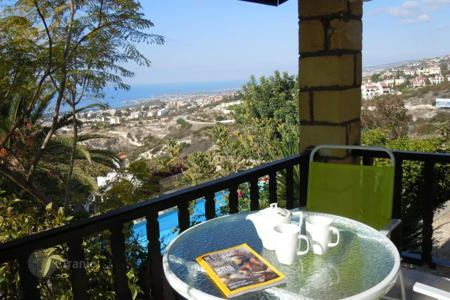 Houses with pools for sale in Tala. Villa – Tala, Paphos, Cyprus