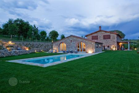Coastal houses for sale in Tavarnelle. Villa – Tavarnelle, Tuscany, Italy