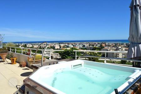 4 bedroom apartments for sale in St-Laurent-du-Var. Apartment – St-Laurent-du-Var, Côte d'Azur (French Riviera), France