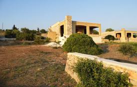 Houses for sale in Apulia. Spacious villa with a sea view, Torre Mozza, Italy