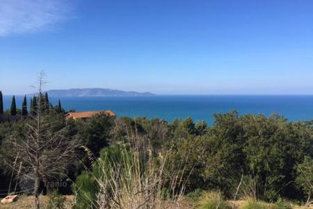 Land for sale in Tuscany. Plot of land in a fantastic panoramic position only few minutes from Porto Santo Stefano