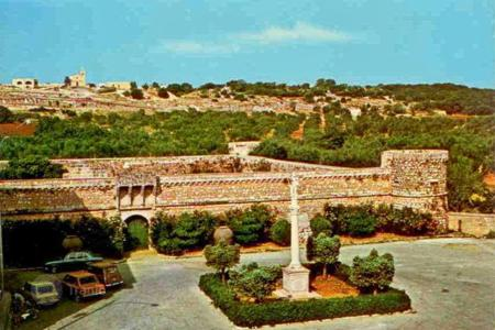 Hotels for sale in Apulia. Bed-and-breakfast in a historic castle with a private garden, Caprarica Del Capo, Italy