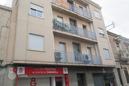 Foreclosed 4 bedroom apartments for sale in Catalonia. Apartment - Sabadell, Catalonia, Spain