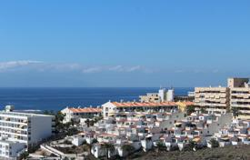 Apartments with pools for sale in Callao Salvaje. Penthouse – Callao Salvaje, Canary Islands, Spain