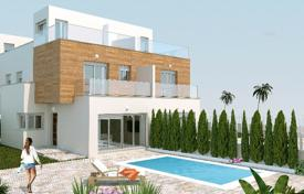 Townhouses for sale in San Pedro del Pinatar. Three-level new townhouse in San Pedro del Pinatar, Murcia, Spain