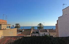 Coastal residential for sale in Premià de Mar. Apartment for sale on the second sea line in the center of Premia de Mar