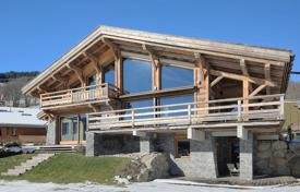 Luxury chalets for sale in Alps. Luxury chalet with a pool and mountain views, Megeve, Alpes, France
