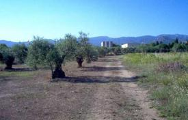 Coastal land for sale in Gerona (city). Landplot for a hotel on the second line from the sea in Costa Brava