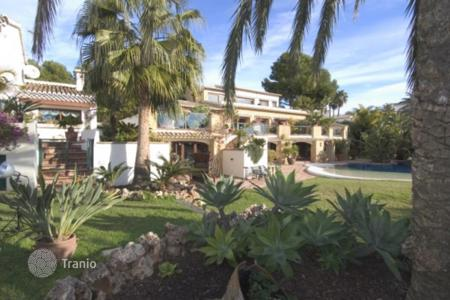 Luxury houses with pools for sale in Moraira. Villa – Moraira, Valencia, Spain
