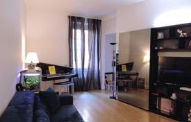 3 bedroom apartments for sale in Milan. Fully refurbished 4-room apartment at Corso Vercelli