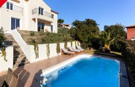 Houses for sale overseas. New villa with a swimming pool and a terrace with a sea view, in a residence with two tennis courts, Les Adre de L'Esterel, Côte d'Azur
