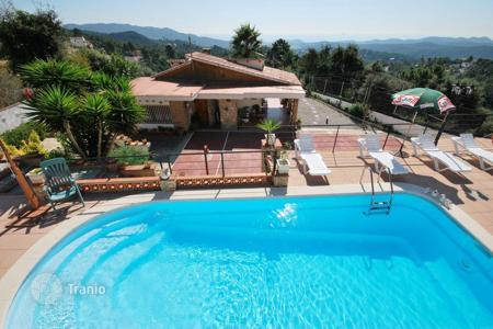 3 bedroom houses for sale in Catalonia. Villa – Lloret Blau, Catalonia, Spain