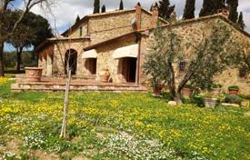 Coastal property for sale in Tuscany. Wonderful farmhouse that was part of the farm of the Tolemei family