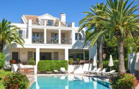 Close to Cannes — Waterfront property for 4,450,000 €