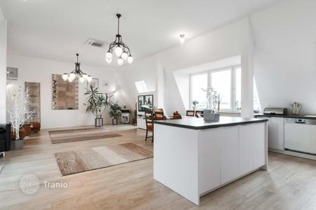 Property for sale in Germany. Renovated two-room penthouse with roof terrace in Berlin, near the Kurfürstendamm