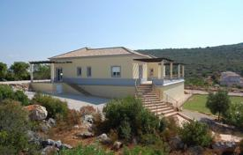 4 bedroom houses for sale in Moncarapacho. Villa – Moncarapacho, Faro, Portugal