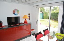 Cheap 2 bedroom houses for sale in France. Villa – Aquitaine, France