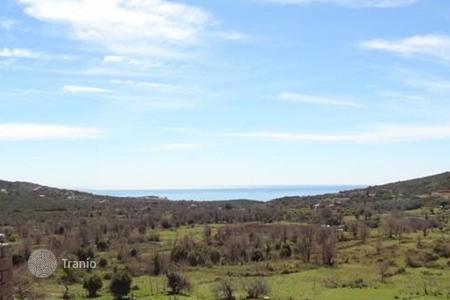 Coastal land for sale in Cetinje. Plot with old house in Zagora