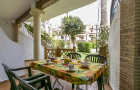 3 bedroom apartments by the sea to rent overseas. Bungalow in Denia from 29 euro/night. The price is valid until March 15, 2018.