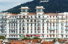 Residential for sale in Cimiez. Two-bedroom apartment with 3 balconies in Nice, Cote d'Azur, France