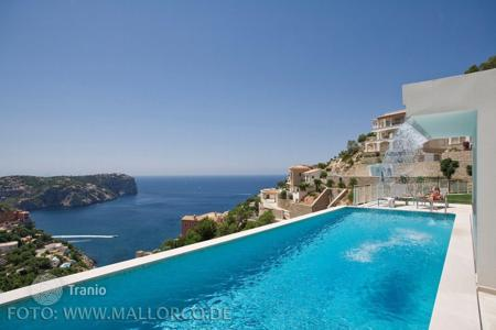 Luxury apartments with pools for sale in Balearic Islands. Apartment – Andratx, Balearic Islands, Spain