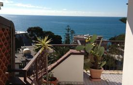 Coastal penthouses for sale in Liguria. Sanremo apartment for sale sea view