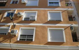 Cheap townhouses for sale in Alzira. Terraced house – Alzira, Valencia, Spain