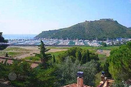 Apartments with pools for sale in Tuscany. Apartment – Monte Argentario, Tuscany, Italy
