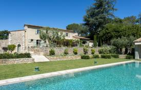 Luxury houses for sale in Valbonne. Splendid charming bastide (country house)
