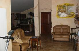 Coastal property for sale in Italy. Apartment – Sanremo, Liguria, Italy