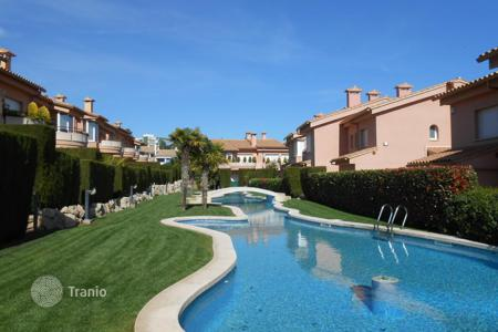 Houses with pools by the sea for sale in Catalonia. Detached house – Castell Platja d'Aro, Catalonia, Spain