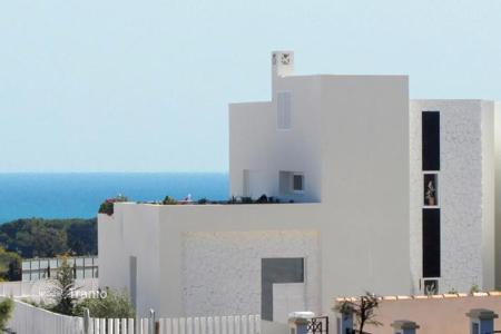 Luxury houses with pools for sale in Costa Blanca. Plot of 300 m² 3 Bedrooms 2 bathrooms